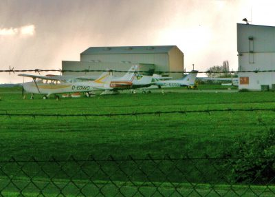 Um für die nächsten Jahre noch den reinen Sportflugzeugbetrieb auf dem Flughafen Essen/Mülheim zu gewährleisten, reicht auch knapp die Hälfe der Fläche des heutigen mehr als 140 ha großen Areals.